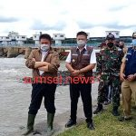 Gubernur Sumsel H Herman Deru, didamping Bupati OKU Timur H Lanosin saat kunjungan kerja di Desa Perjaya, kecamatan Martapura, OKU Timur